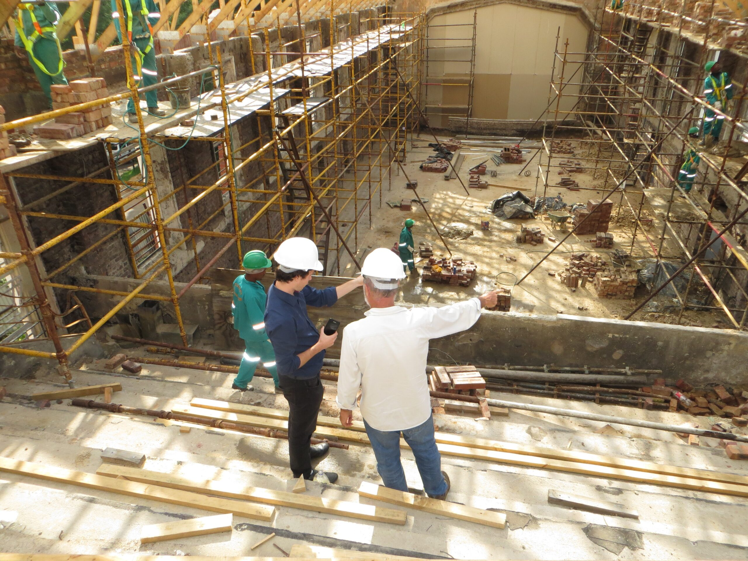 SR&ED, construction site with two men talking